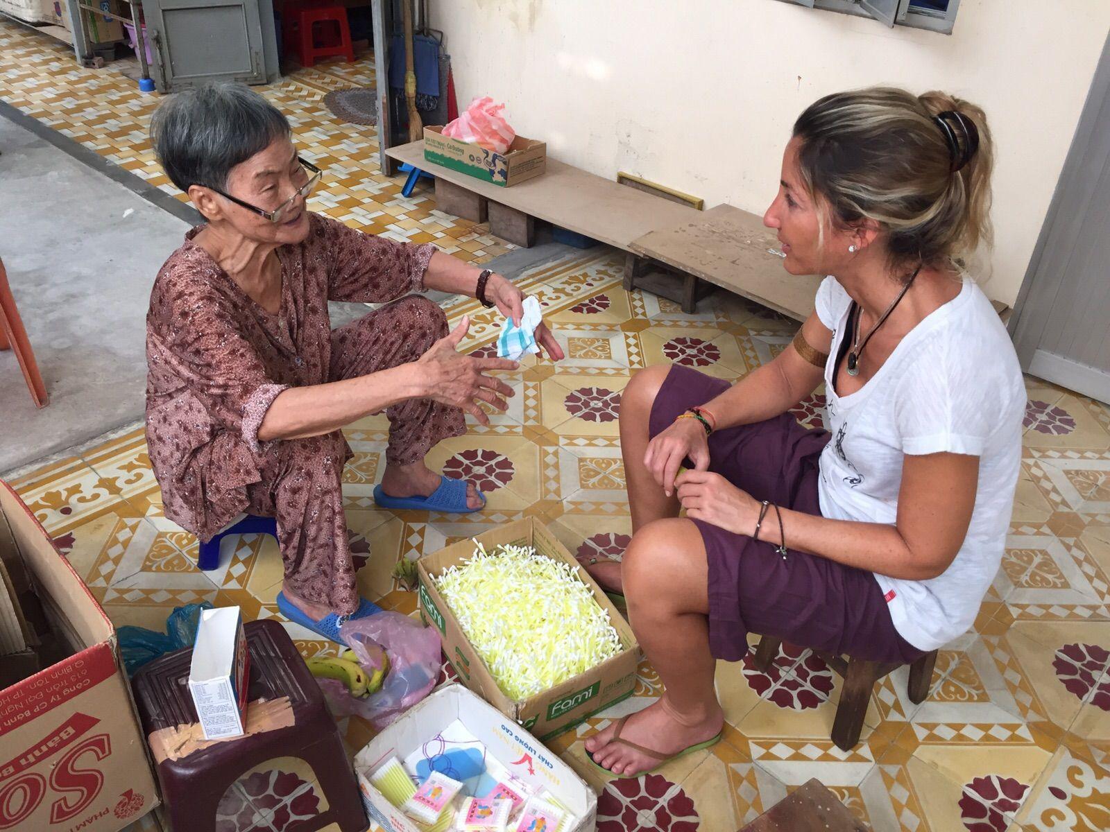Voluntariado en Centro de cuidado de Ancianos en Vietnam