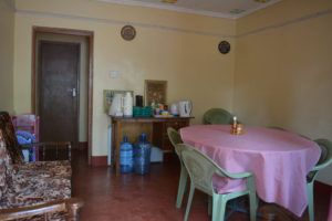 Comedor en alojamiento de voluntarios