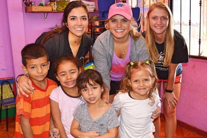 Voluntariado con niños en Costa Rica